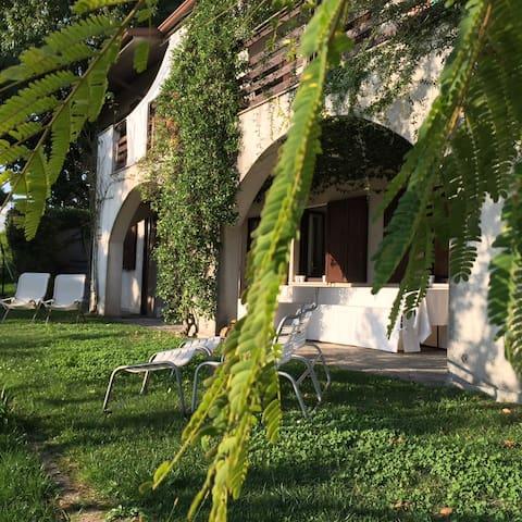 Villa Rosmarini e Ulivi - near ComoLake and Milano