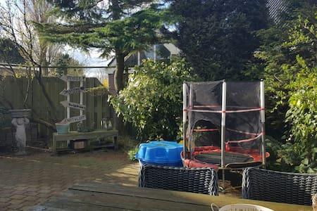 Ruim & gezellig gezinshuis 1-8/19-8 - Katwijk aan Zee