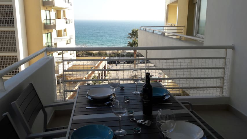 Wonderful Sea View Apartment w/ private parking