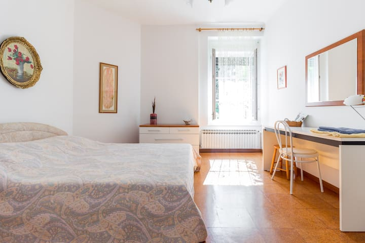 Lovely spacious room in the city centre - Zagreb