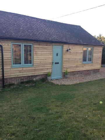 Little Banks Barn - Ringwood - Chalet