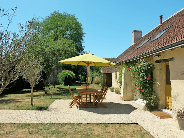 Holiday home in Monteaux for 6 persons