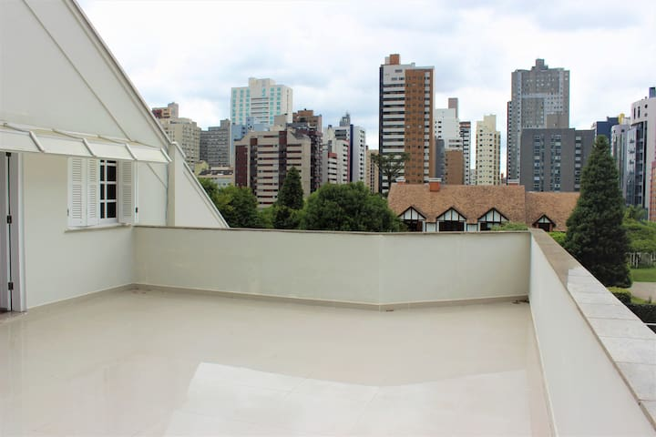 DOBLE BED IN THE BEST REGION OF CURITIBA