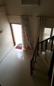 Appartement en mezzanine sur bzv - Brazzaville