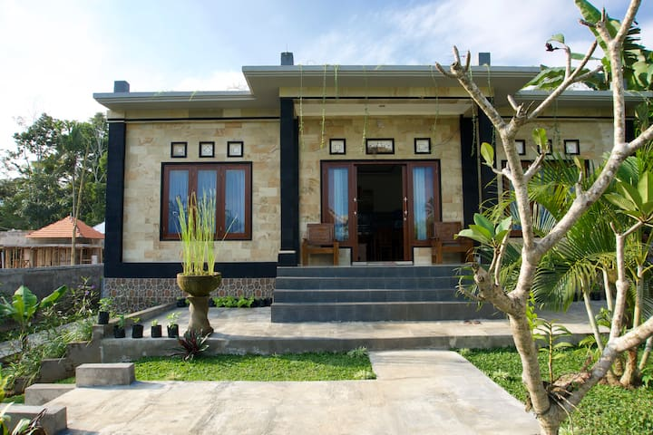 2bdr Private House, Eco Garden, Ubud countryside