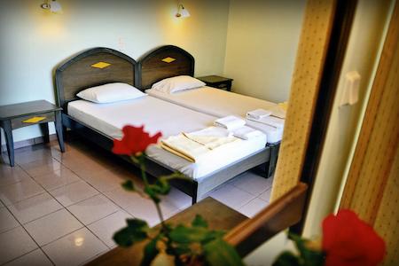 Trevizan Apartments (room 1) - Drapanias