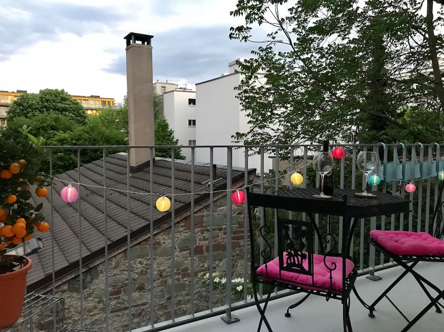 Terrace facing the green and calm backyard. Terrace sun from early morning until approx 03:00 PM! Sun awning is installed and can be used if needed.