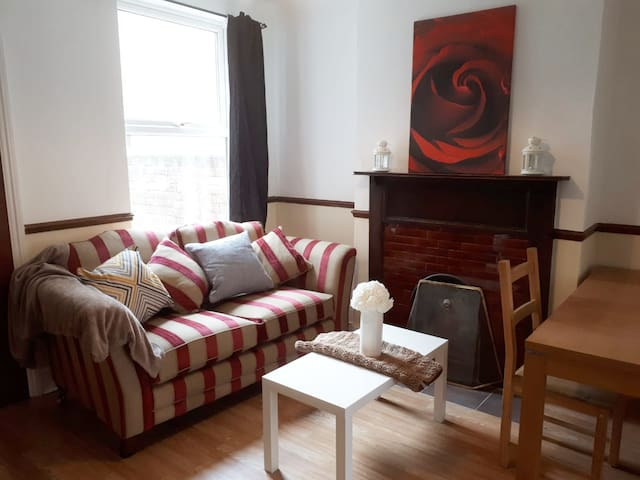 Cosy 1 bedroom flat in town centre
