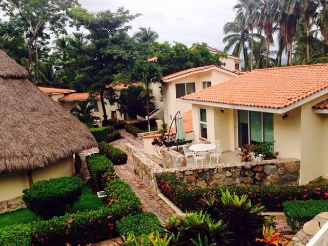 Villa en Manzanillo Col.