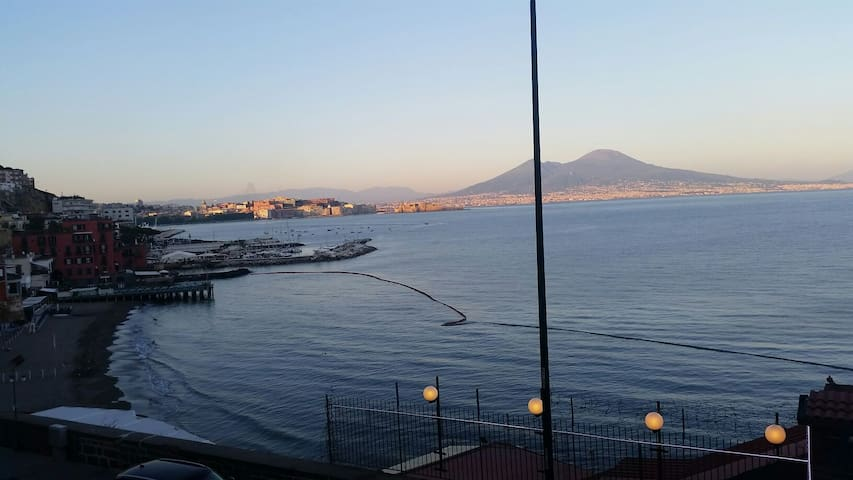 Authentic seaside apartment with view in Naples - Napoli - Apartment