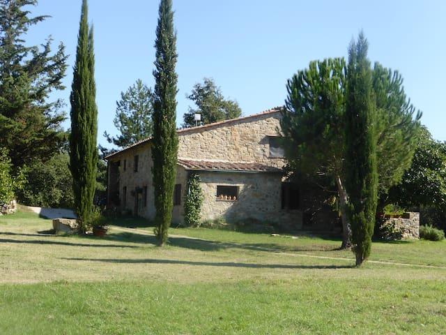 Romantico casale tra le colline Toscane - Castelnuovo di Val di Cecina - House