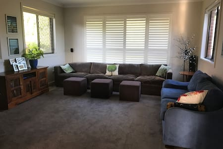 3 Bedroom family home in Sydney's North Shore. - Castle Cove