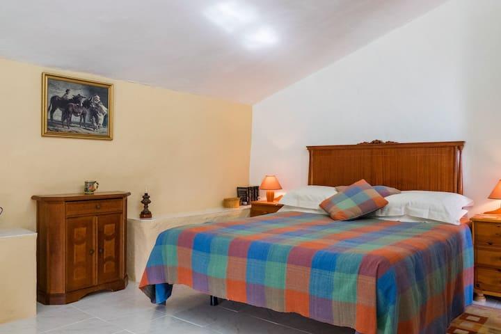 En suite double bedroom 2