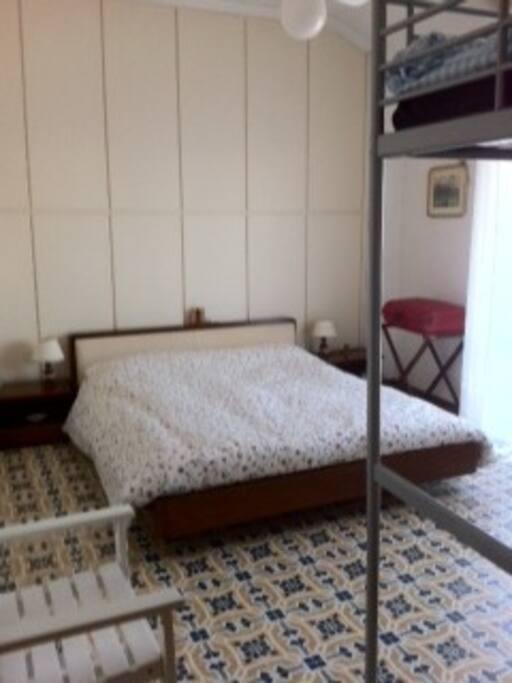 camera matrimoniale con letto in più