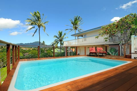 Last min deal!  Private Pool, AC, walk to beaches