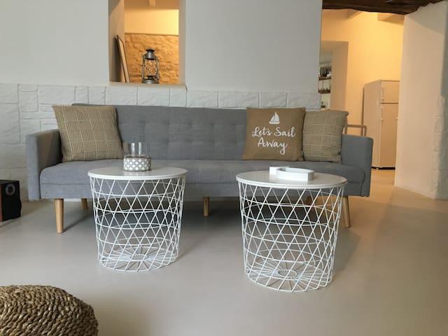 Iro's vintage suite