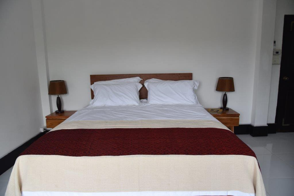 Super King bed with Egyptian cotton linens