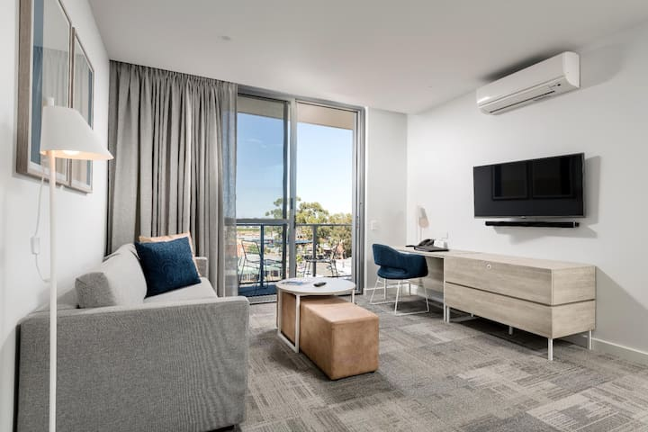 Marvelous Apartment One Bedroom At East Perth
