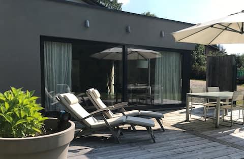 Estudi amb vistes panoràmiques i gran terrassa