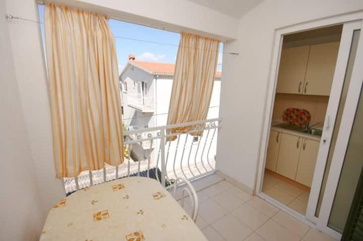 Apartmánové studio s terasou a výhledem na moře Baška Voda, Makarská - Makarska (AS-6827-e)