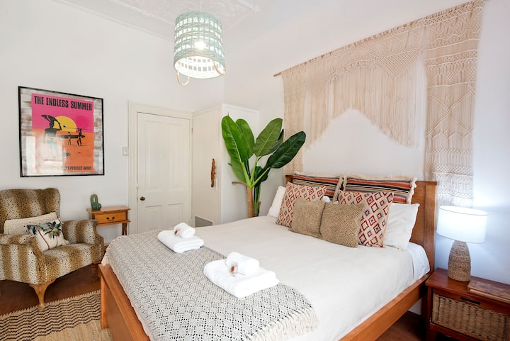 The Manly Beach Room | 2 mins walk to Manly Beach