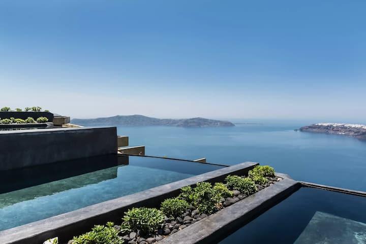 Charming Suite | Private Pool & Caldera View