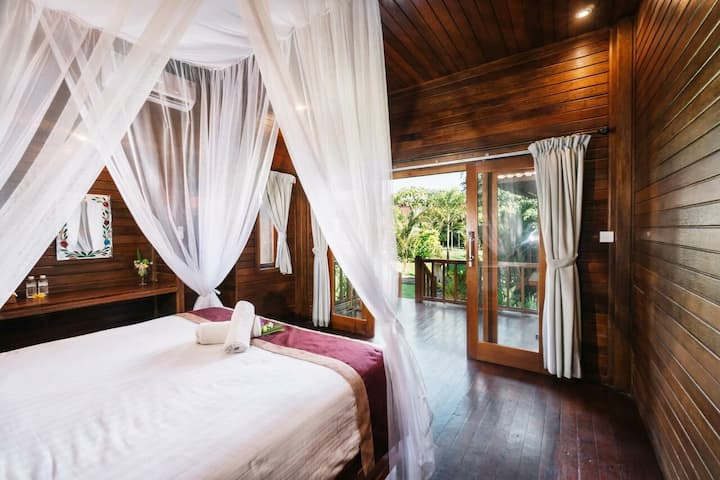 Best Place to Stay with Friends in Nusa Lembongan