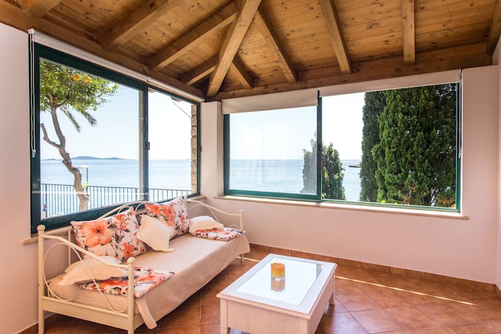 Naranca - One Bedroom Apartment with Sea View