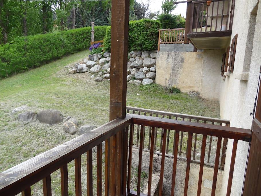 Vue extérieure sur le balcon