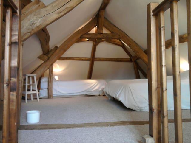 Chambre familiale - Civry-la-Forêt - Bed & Breakfast