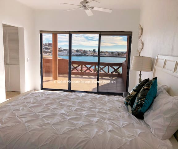 Master bedroom, with independent Terrace with oceanview