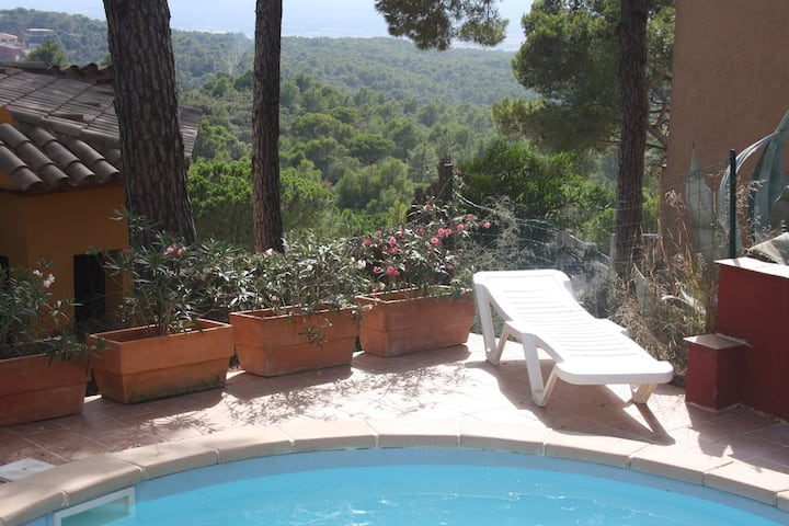House with private pool in Begur