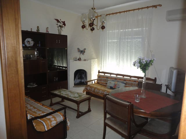 Cosy flat with full amenities - Νέα Αγχίαλος - Byt