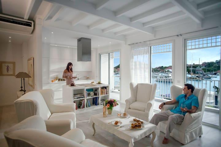 harbourview.villas-apartments.renta