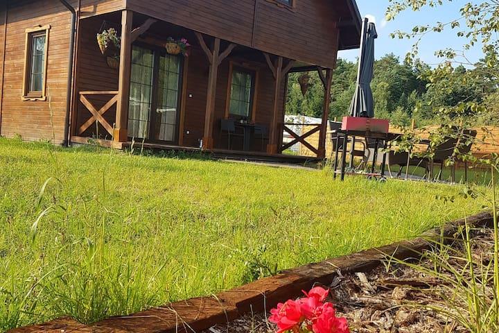 Komfortables Holzhaus für 6 Personen auf dem See in Bory Tucholskie
