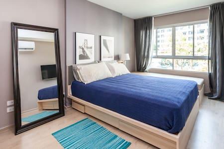 One bed room walk to BTS Shukhumvit - Appartamento