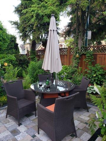 Kits Point Garden Suite