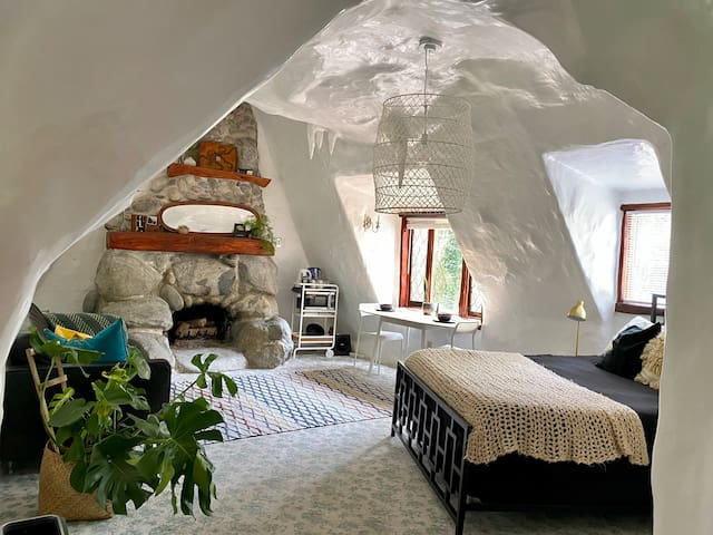 Enchanted Forest Suite in Iconic Storybook Cottage