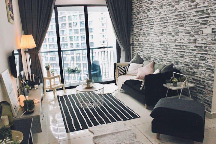 Kuala Lumpur City Apartment by BeeStay [5 pax]