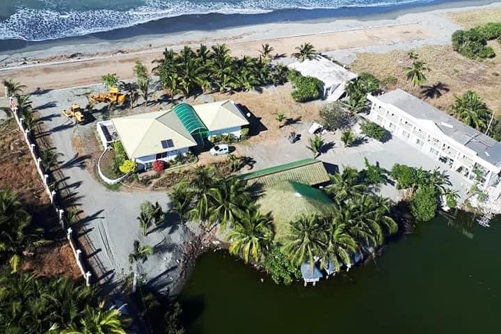 Norseman Beach Resort villa 1