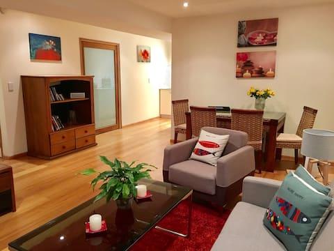 Cosy 2 bed apartment in Devonport