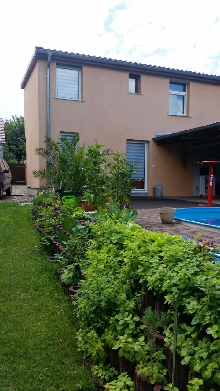 Mediterane Ferienwohnung mit Pool