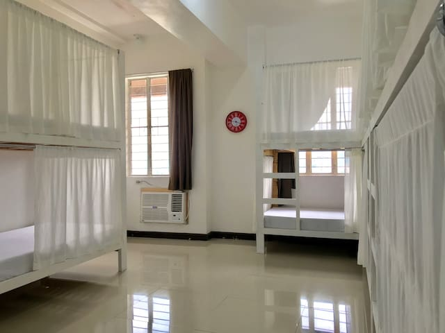 Cebu City Backpackers Aircon•Wifi•Hot Shower