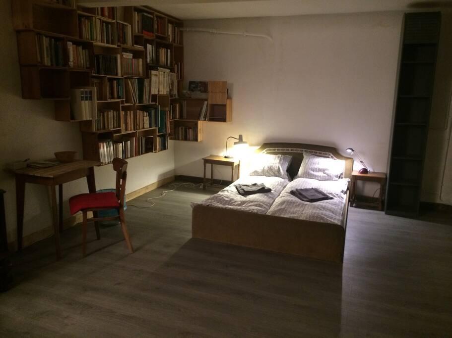 Chambre dans un atelier de piano ixelles bruxelles for Chambre bruxelles