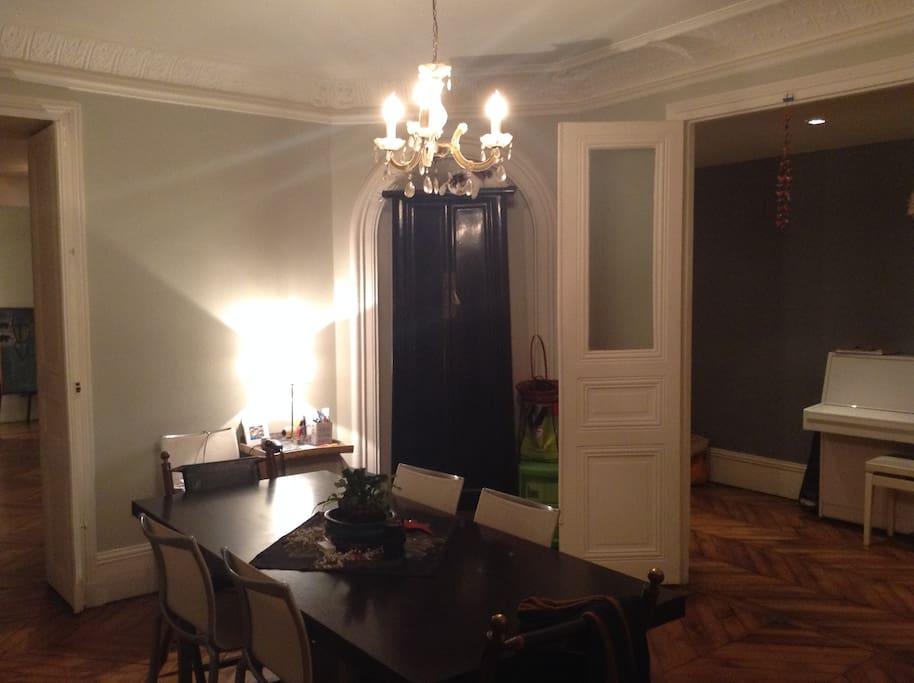salle à manger et ...piano