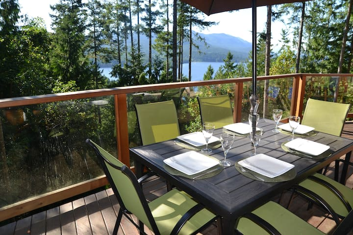 Amazing, New, Luxury 6-Bed Retreat! - Sechelt - Hus