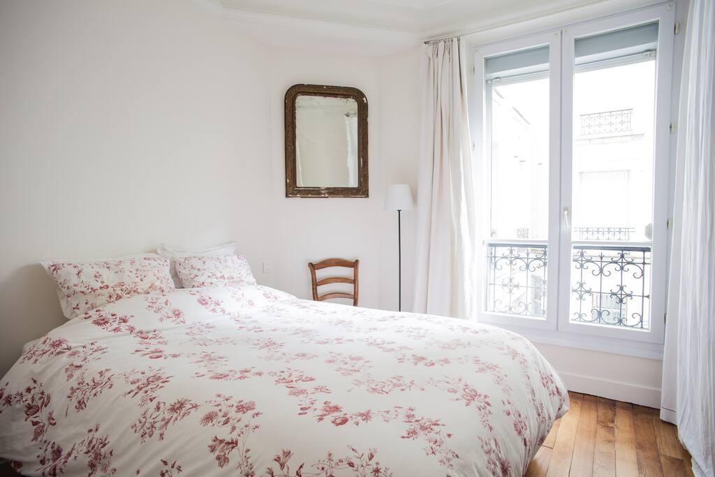 Le typique appartement parisien appartements louer for Appartement atypique a louer ile de france