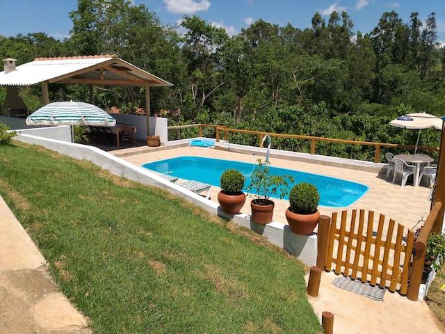 Casa na Roça com piscina e todo o conforto...