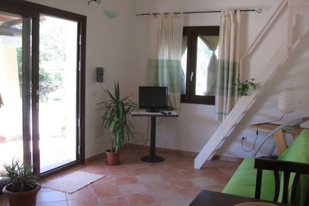 Livingroom and loft - Soggiorno e soppalco