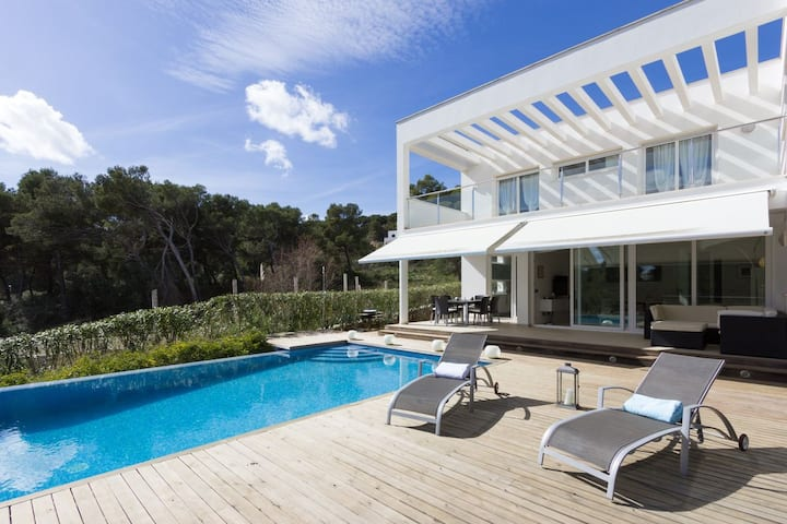 Villa at Coves Noves